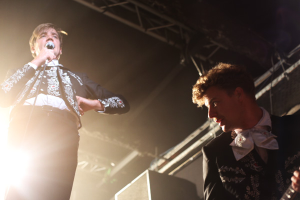 the-hives-yahoo-on-the-road-concert-live-showcase-d