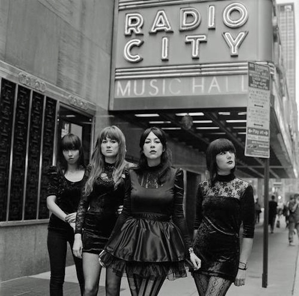 dumdum-girls-radiocity-interview-dee-dee