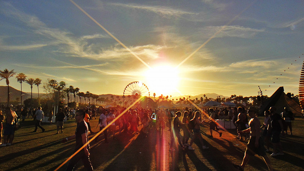 Sunset-at-Coachella-Music-Festival-c-Jen-Balisi-Moderate-Indulgence