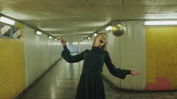 massive-attack-voodoo-in-my-blood-youtube-music-video-rosamund-pike-750x422