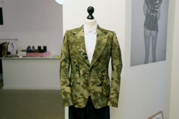 dries-van-note-ss13-camo-blazer-1-630x420_e0