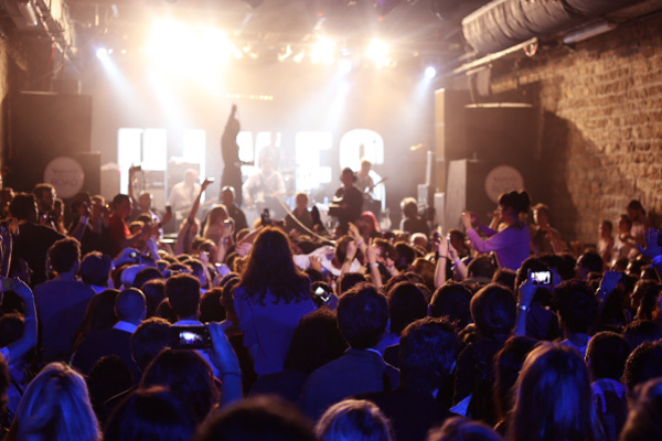 the-hives-yahoo-on-the-road-concert-live-showcase-c
