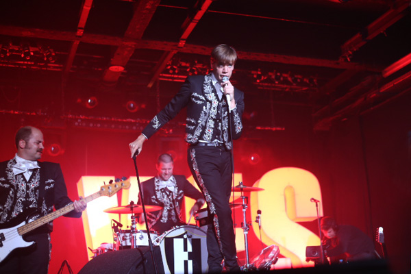 the-hives-yahoo-on-the-road-concert-live-showcase-i