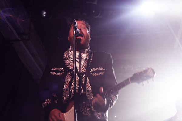the-hives-yahoo-on-the-road-concert-live-showcase