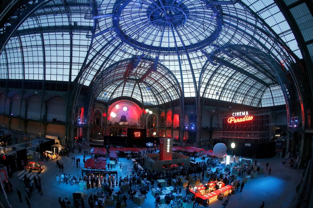 Ambiance-drive-in-au-Grand-Palais-pour-les-seances-du-Cinema-Paradisio_article_popin