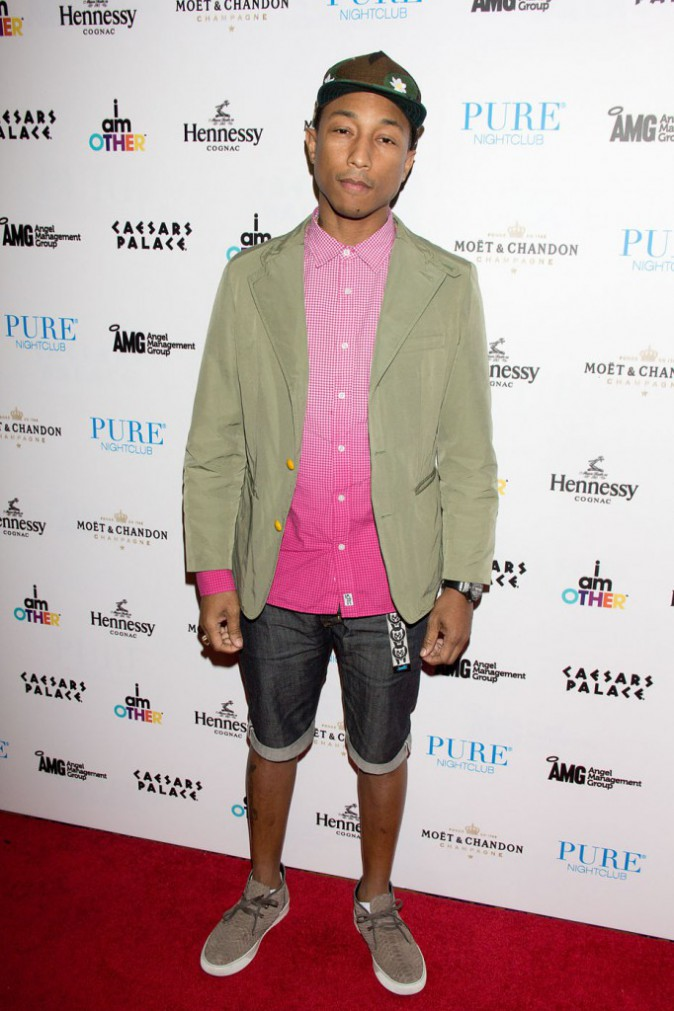Photo-Pharrell-Williams-elu-fashion-icone-de-l-annee_portrait_w674 (1)