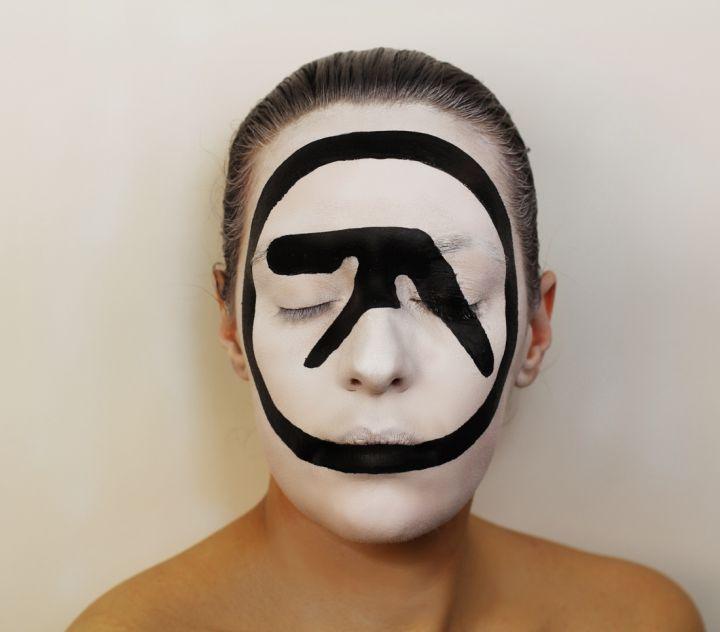 Peinture-Visage-album-Aphex-Twin-720x632