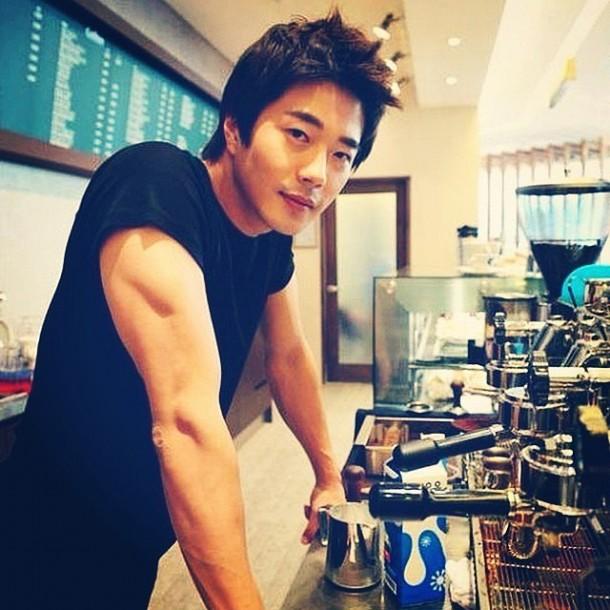 Hot-Men-Coffee-Instagram-Pictures-3