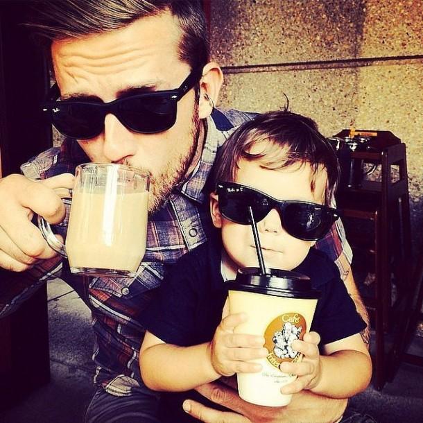 Hot-Men-Coffee-Instagram-Pictures-4