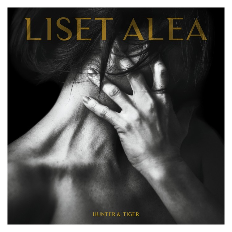 Liset Alea : EP Hunter & Tiger (cover photography Benoit Courti - design Juan Clemente)
