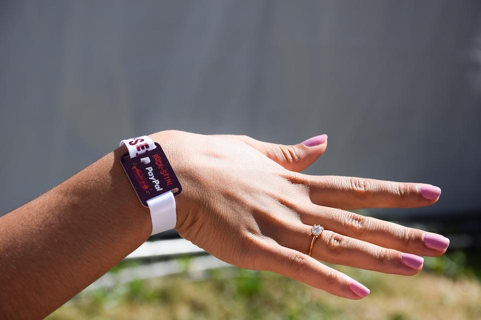 Bracelet cashless PayPal (1)